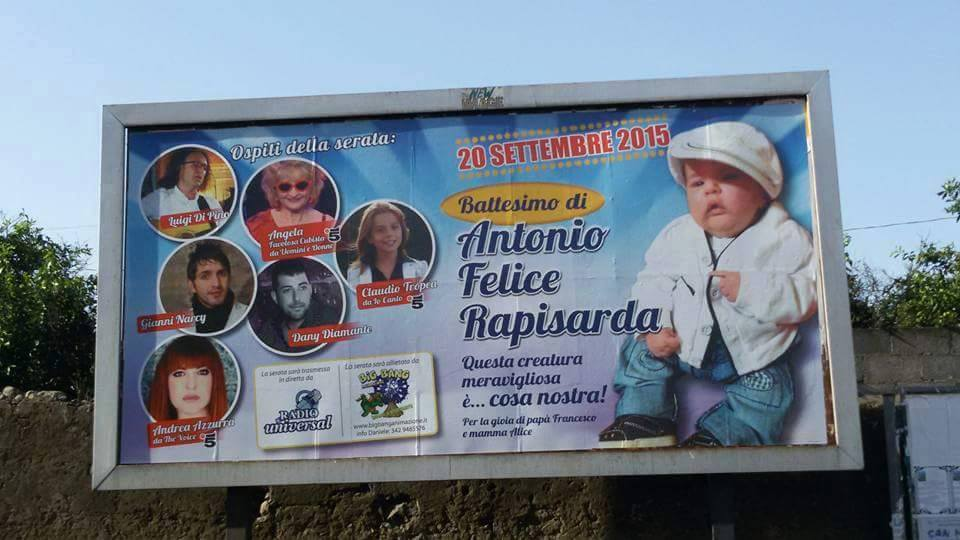 Catania, quel cartellone-imbarazzo per il battesimo-evento