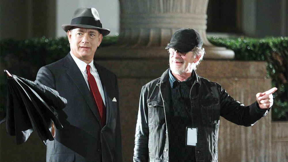 Tom Hanks e Steven Spielberg sul set del film