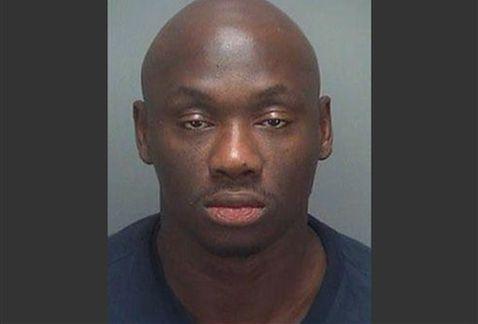 Una foto segnaletica dell'ex pugile, arrestato per debiti