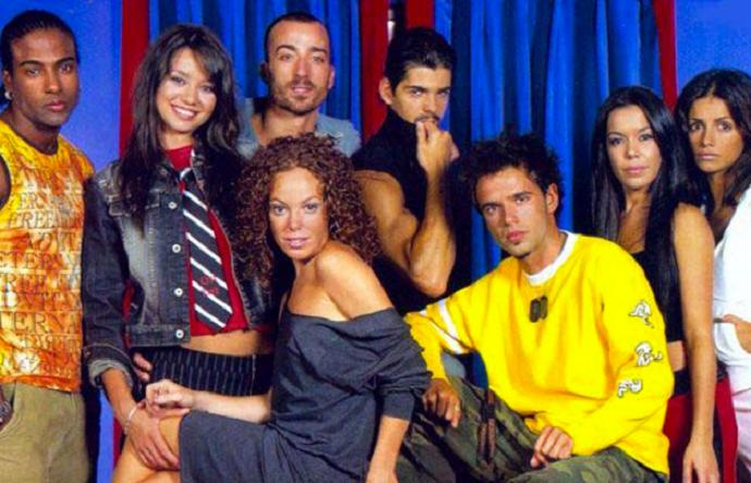 Raul Peña insieme al cast di 'Paso Adelante'