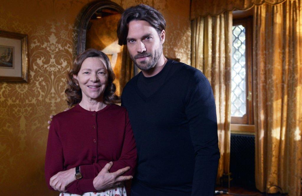 Teresa Acerbis (Edda Martino) e Stephen Kafer (Commissario Lanci) / Credits: Mediaset