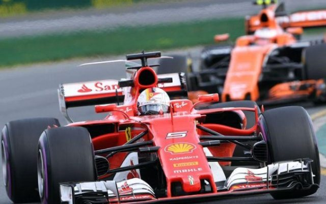 F1 GP Australia: Hamilton in pole, Vettel secondoF1 GP Australia: Hamilton in pole, Vettel secondo