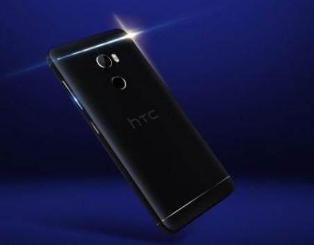 HTC One X10 è tutto stile e batteria: nuove immagini stampa
