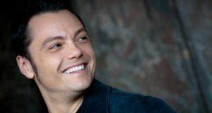 Tiziano Ferro ammette love story con donne