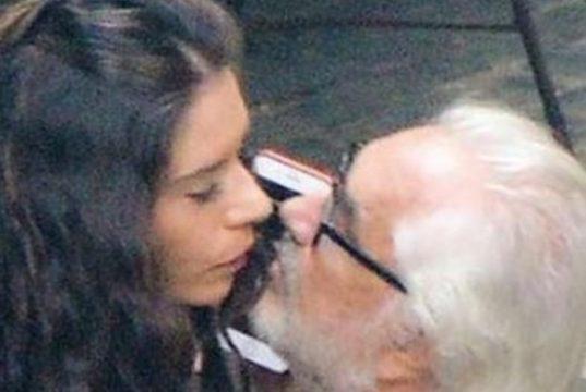 Flavio Briatore: nessun bacio ma soltanto un selfie