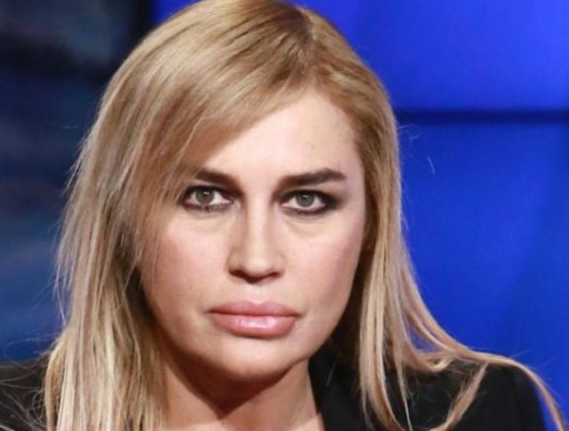 Lory Del Santo litiga con la sorella