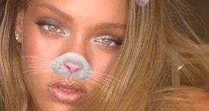 Rihanna Sexy