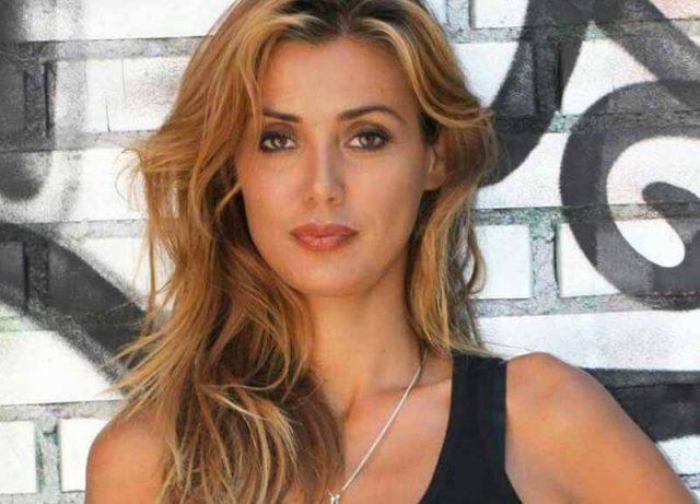 Giulia De Lellis Martani pelliccia pellicce
