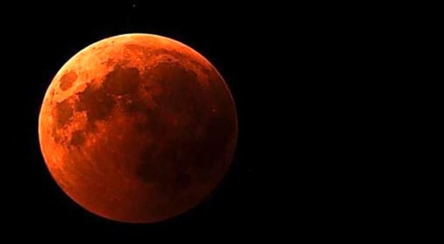 Eclissi quando superluna